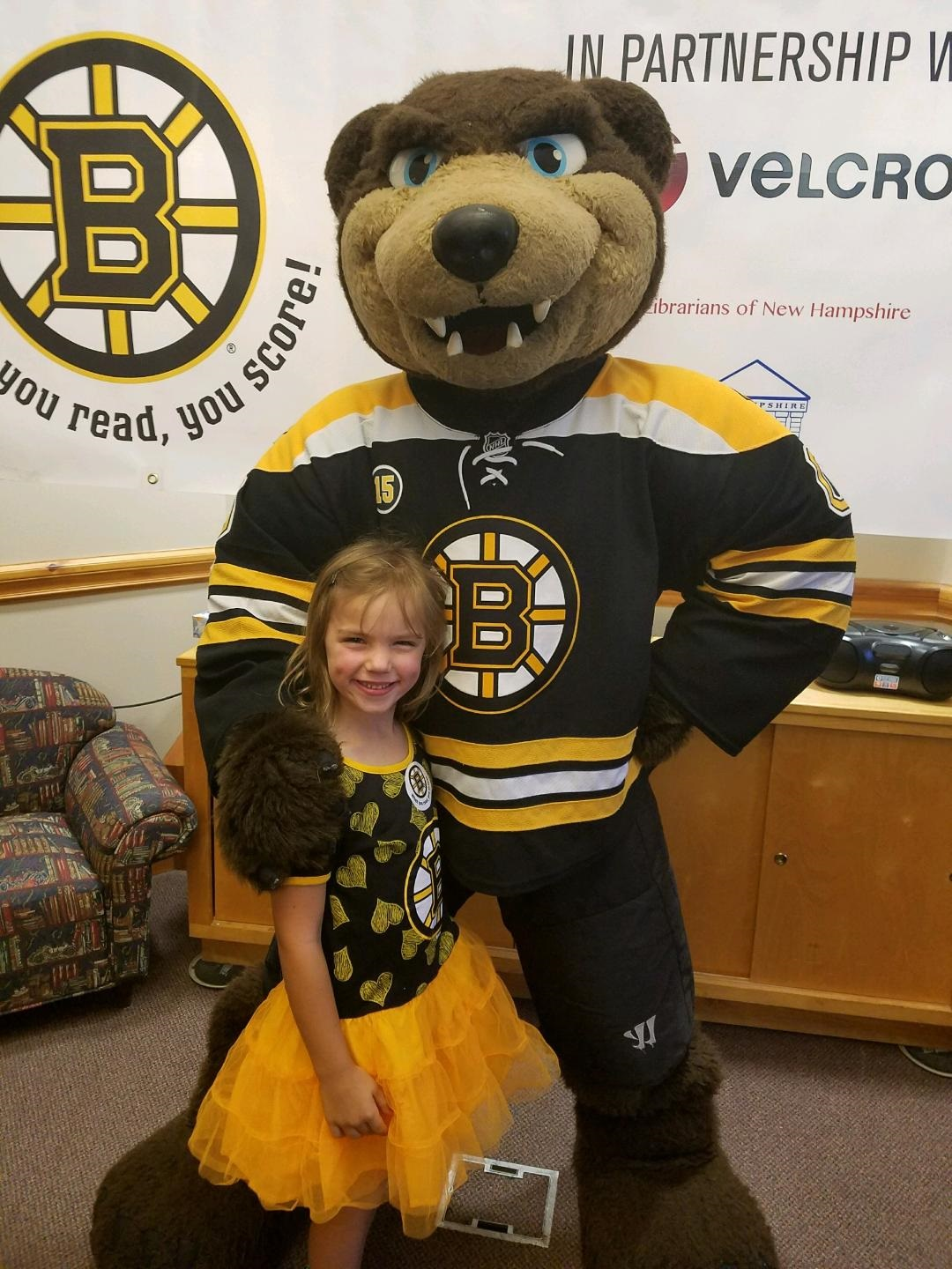 Image Galleries For Lionaid Campaigns: Meet & Greet With Blades, The Bruins Mascot!